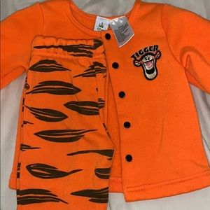 Tigger 3-6 month outfit